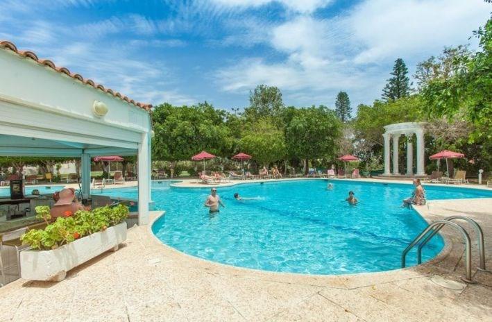 Henipa Crown Resort - Jižní Kypr - Larnaka