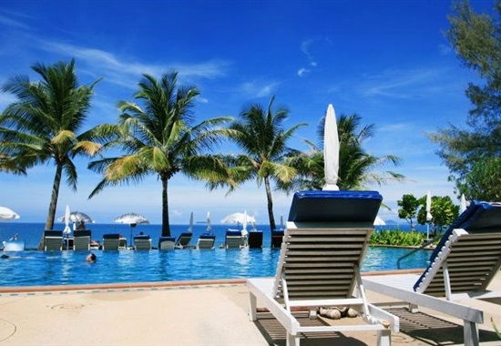Lanta Casuarina Beach Resort -