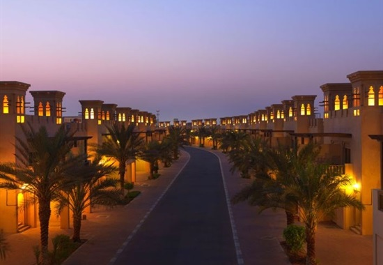 Al Hamra Village Golf & Beach Resort -