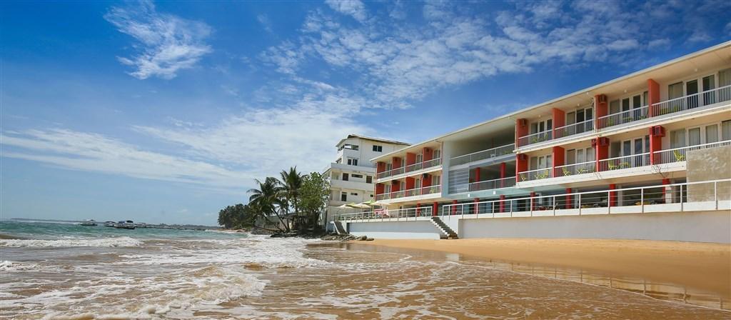 Coral Rock by Bansei - Srí Lanka