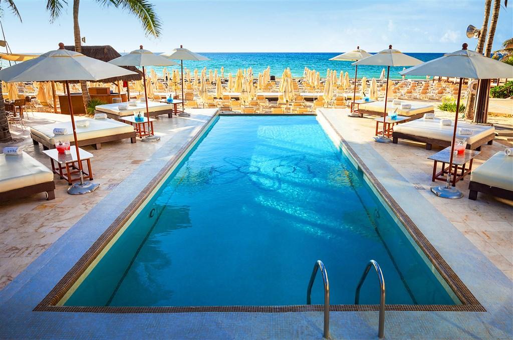 Tukan Hotel & Beach Club -
