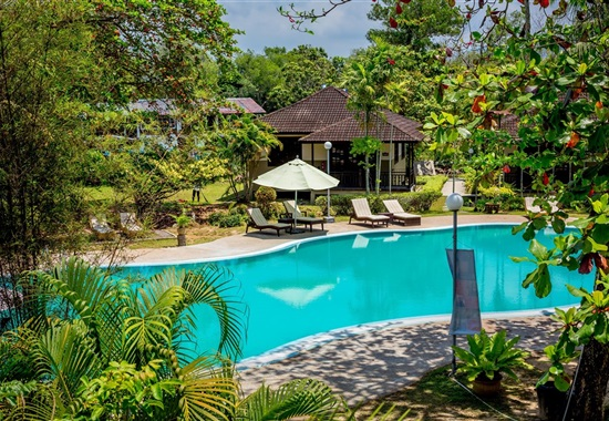 Beringgis Beach Resort & Spa - Borneo