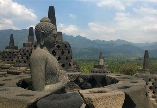 Malý okruh Jávou s pobytem na Bali -