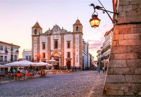 Fly & Drive Portugalskem + 3 výlety -